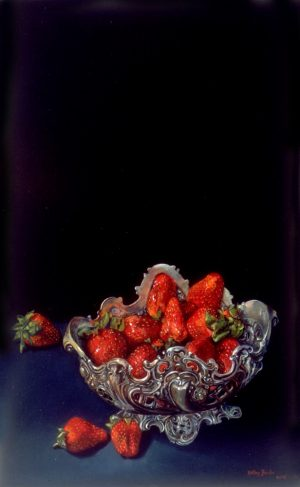 0016strawberries_in_silver-dish
